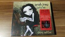 Norah Jones - Not Too Late (2007) (Deluxe Edition) (0946 3 86219 2 8)
