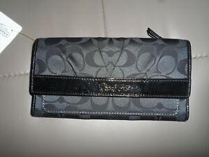 $218  Logo Slim Envelope Wallet Signature Black/grey