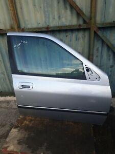 2001 PEUGEOT 406 COMPLETE DOOR DRIVER SIDE IN SILVER