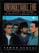 U2, 1987 BOOK (PAST, PRESENT & FUTURE - DEFINITIVE BIOGRAPHY) 24 PAGES OF PHOTOS