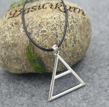 Collier pendentif Triade triangle symbole du groupe 30 seconds to Mars.