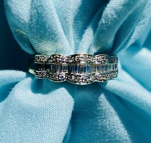Estate Diamond ring 14kt White Gold 4.4 Grams Size 8.25