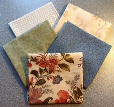 Ditsy Blue Flowers Cream 100/% Cotton Edyta Sitar Makower Quilting Craft Fabric