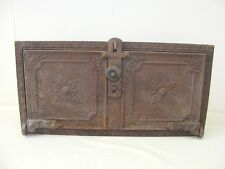 schöne alte Ofenklappe Ofentür, Ofen antik mit Rahmen