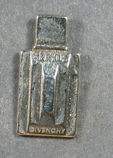 Pin xeryus Givenchy (an1908)