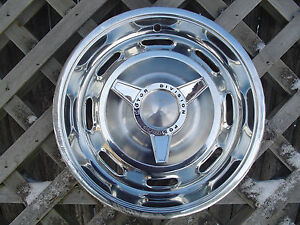 1964 64 PONTIAC TEMPEST GTO LEMANS CUSTOM COUPE HUBCAP WHEEL COVER CENTER CAP