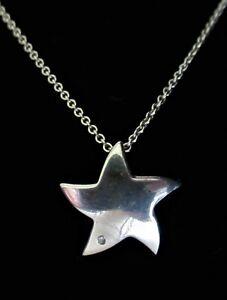 STERLING SILVER STAR SHAPED DIAMOND SET PENDANT NECKLACE 925 2.68g (21200)