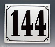 EMAILLE, EMAIL-HAUSNUMMER 144 in SCHWARZ/WEISS um 1955