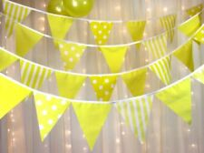 Pancartas y guirnaldas de fiesta sin marca