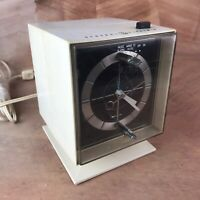 EXTRA RARE VINTAGE GENERAL ELECTRIC GE C2440 CUBE AM CLOCK RADIO,SPACE AGE,WORKS
