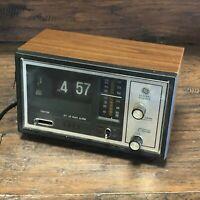 Vintage GE ~ General Electric FM AM Flip Number Clock Radio 7-4425 A