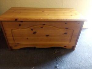 Pine blanket box. toy box, storage, chest/trunk