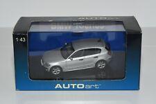 Autoart bmw 1er/1 series e87 Titan plata/Silver metallic 1:43 embalaje original/NIB