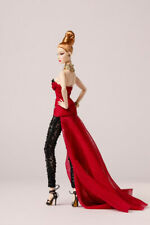 Sting To The Heart, Baroness Agnes Von Weiss Centerpiece Doll (91470)