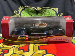 Revell '69 Corvette Convertible 1:18 Scale DieCast Chevrolet Stingray Green 350