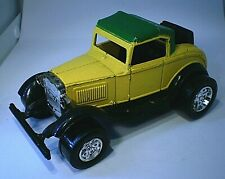 Tootsietoy diecast Ford Model A roadster rumble seat yell w gr roof all intact