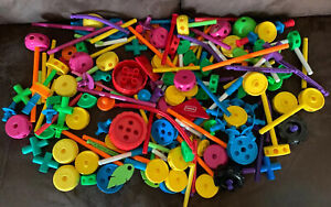 Large Lot Of 240 Pcs Modern Plastic Tinker Toy by K'nex Tinkertoy Parts & Pieces