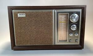 Vintage High Fidelity Sound Sony AM-FM Table Radio Model No. ICF-9550W