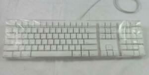 Apple A1048 Wired USB Keyboard White - USA Layout (M9034LL/A)