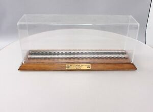Lionel O Scale J.C. Penney Special Santa Fe GP-38 Show Case Only EX