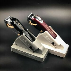 2 X UNIVERSAL CLIPPER CHARGING STAND, MAGIC CLIP SENIOR CORDLESS CLIPPERS WAHL