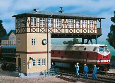 11386 Auhagen HO Kit of a Gantry signal box - BRAND NEW