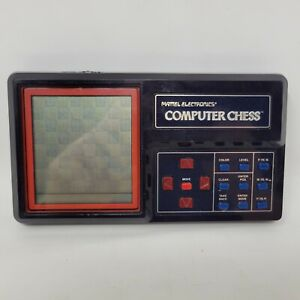 VINTAGE 1980 MATTEL ELECTRONICS COMPUTER CHESS HANDHELD ELECTRONIC