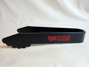 Famous Daves Buffet Tongs One Piece Mall of America MN Black Plastic