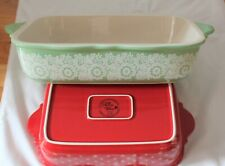 New listing Pioneer Woman 2818Dmt 2 Pc Oblong Baker 00006000 /Casseroles - Red w Dots and Green w Lace