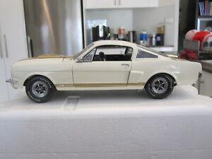 1:18 LANE EXACT DETAIL 1966 SHELBY GT 350H HERTZ WHITE / GOLD - 1 OF 2500