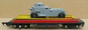 American Flyer 715 Unloading car w/Tootsietoy Gray Army Armored Car S-Gauge