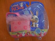 Littlest Pet Shop Portable Pets White Bunny with Pink Carry Case 2004 RARE