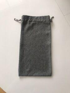 Pampuschen Säckchen Schuhe Schlappen Tasche Beutel Grau Bändchen Gans Stickerei
