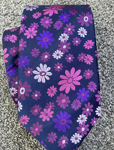 """Marks and Spencer navy floral 100% silk smart classic tie 3.5"""" wide 57"""" long"""