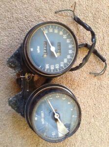 Honda CB750 CB 750 Speedo Clocks Showing 40443 Miles 1973-1975