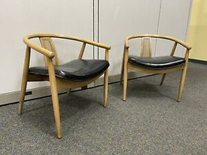 PAIR OF SHELBY WILLIAMS MID CENTURY MODERN MCM STYLE ARM CHAIRS