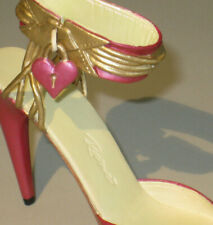 Captive Heart, Just the Right Shoe by Raine. Collectible shoe miniature #25490,