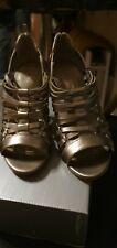 AUTOGRAPH Designer Ladies Women Gold Leather High Heel Sandal Shoe Size 4 new