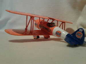 Spec Cast 37541 Gulf Refining 1934 Stearman Bi-Plane Aircraft Bank