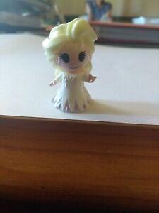 Elsa. Woolworths Disney Plus Ooshies