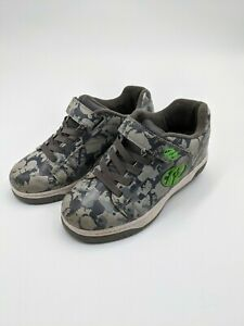 Boy's Youth Size 4 Gray & Green Heelys Skate Shoes