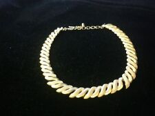 Elegant Signed TRIFARI Gold TONE  NECKLACE Very Good Condition.