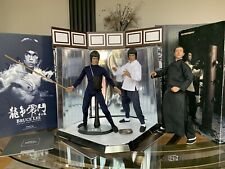 Hot Toys Bruce Lee Enter The Dragon Deluxe Twin Figure Set