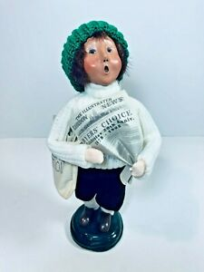 Byers' Choice Caroler 1998 20th Anniversary Newspaper Boy in White Sweater NEW