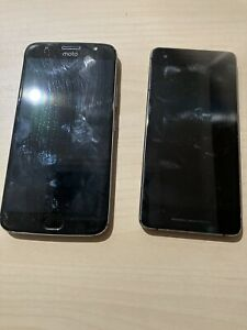 Lot of 2 phones Pixel 2 64 GB and Motorola 5GS Plus 32 GB working - read