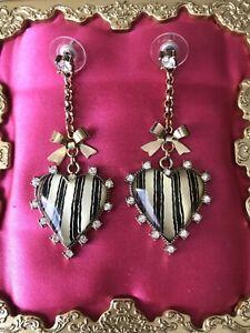 Betsey Johnson Vintage Black & White Lucite Heart Striped Stripes Bow Earrings