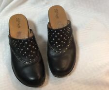 EUC Euro Soft By Soffi Womens Heeled Clogs With Design Size 7.5 M Color Black