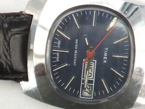 a gents blue dialled manual wind timex watch -  GWO