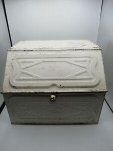 Vintage FARMHOUSE Primitive Tin White Storage Bread and Cake Box RARE