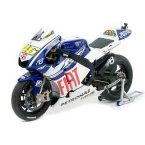 Yamaha YZR-M1 Nummer / n°46 Valentino Rossi Motogp 2010 MINICHAMPS 1/12